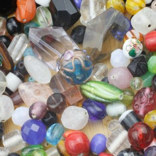 Multimix of phantastic Beads in various colours, shapes, sizes and materials, about 450 gr, Enjoy Beading!